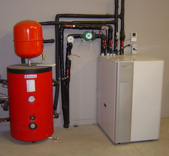 Geothermal Heat Pump with Small Tank